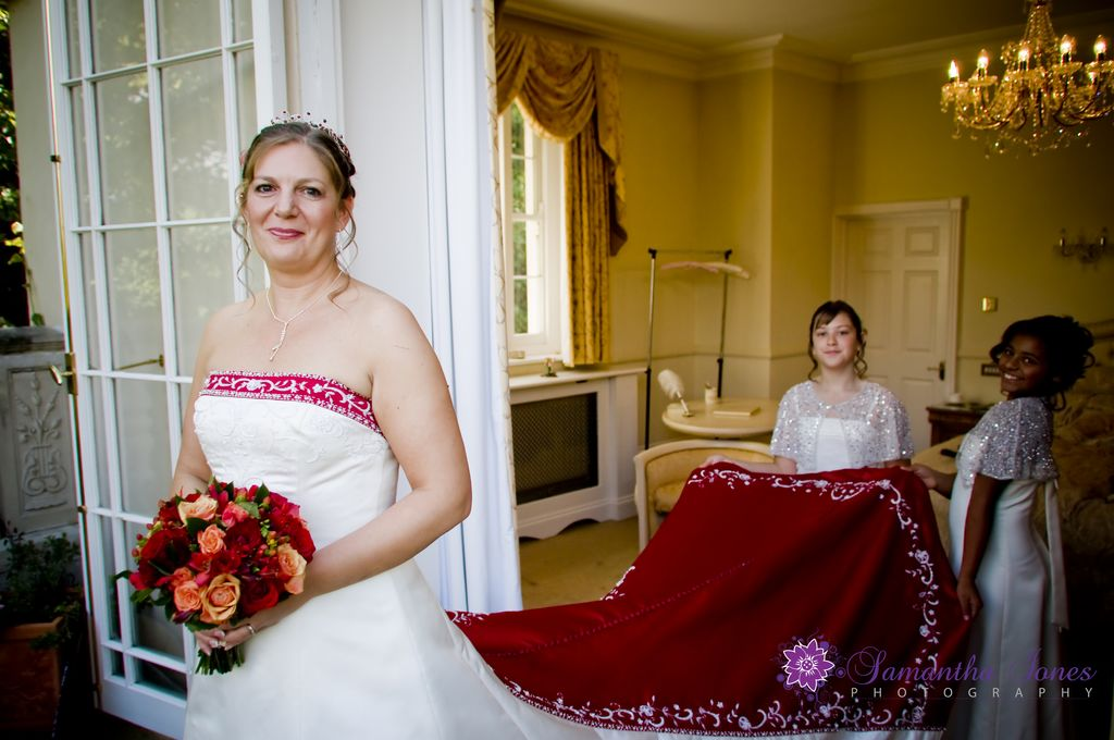 Helen and bridesmaids at The Little Hermitage