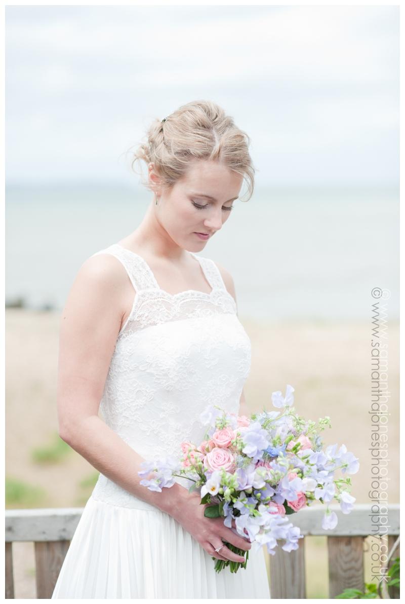 Hannah and Simon by Kent wedding photographer Samantha Jones 012