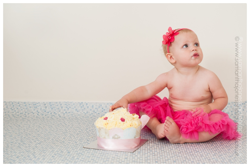 Cake smash by Samantha Jones Photography