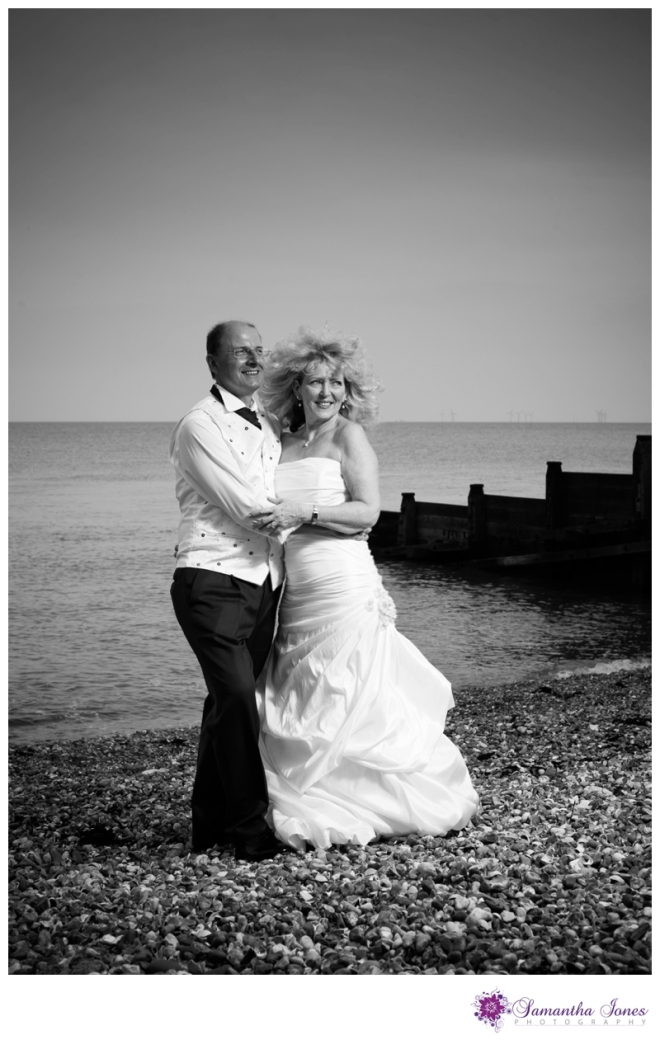 Lee and Geoff wedding at Whitstable Castle by Samantha Jones Photography 29