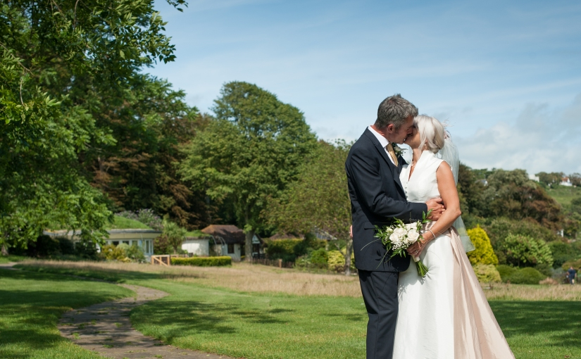 Sunshine at the coast – Sarah and Grant's wedding at Pines Calyx {sneakpeek}