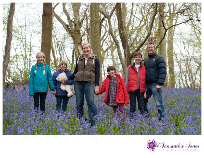 Family photoshoot in the bluebells by Samantha Jones Photography 01
