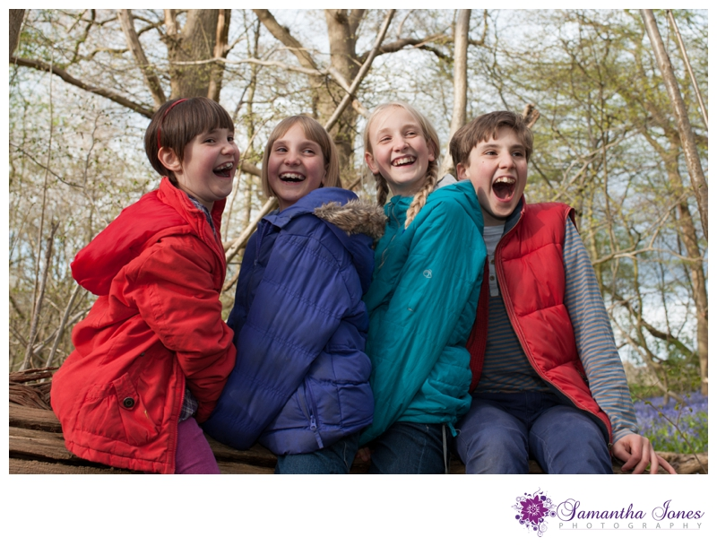 Family photoshoot in the bluebells by Samantha Jones Photography 04