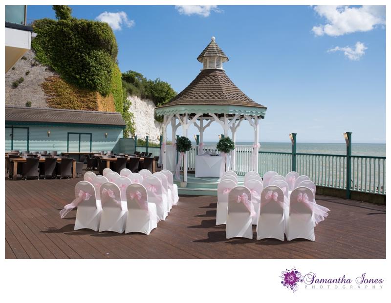 Lisa and Robert married at Pegwell Bay Hotel by Samantha Jones Photography 01
