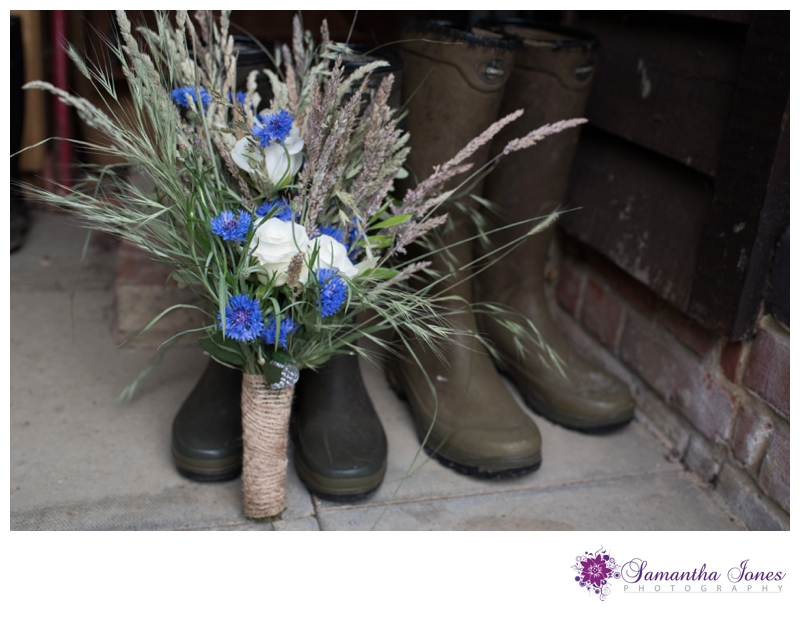 Vicky and Simon married at Egerton and Barnlea by Samantha Jones Photography 01