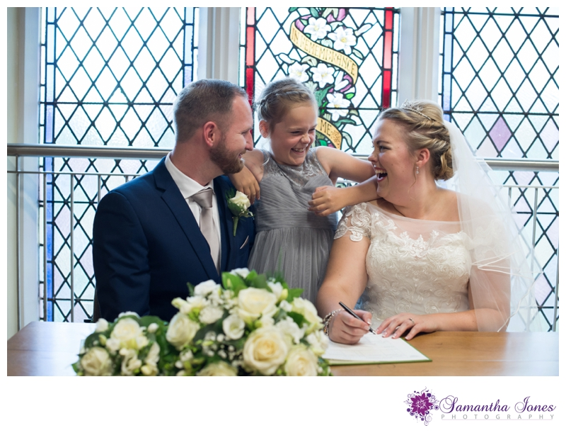 Nikola and Joshua married at Queens Street Baptist Church with their reception at The Botany Bay by Samantha Jones Photography 07