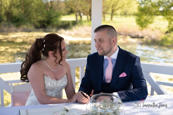 Emma and Aaron wedding at Stonelees 09